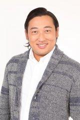 『岡村隆史のオールナイトニッポン歌謡祭2017』にゲスト出演する秋山竜次(ロバート)