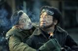 『レイルロード・タイガー』で共演するジャッキー・チェン(右)と池内博之