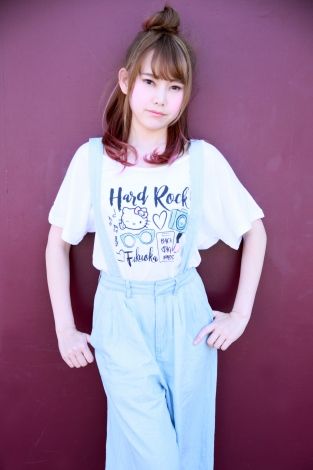 『Ladies Hello Kitty Watercolor Tee White』(税抜価格:4500円、サイズS~L )。(C)1976,2017 SANRIO CO.,LTD. APPROVAL NO.S581133