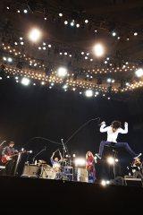 新年一発目のライブで大暴れ Photo by 岡田貴之