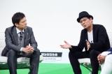 7月2日放送、テレビ東京『FOOT×BRAIN』スタジオゲストに大杉漣(右)が登場。左はMCの勝村政信(C)テレビ東京