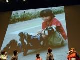 『劇場版ポケットモンスター キミにきめた!』(7月15日公開)完成披露舞台あいさつで20年前の写真を公開した本郷奏多 (C)ORICON NewS inc.