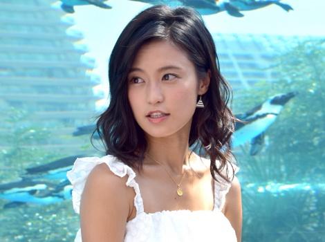 「ペンギンとも泳いでみたい」想像を膨らませた小島瑠璃子=池袋のサンシャイン水族館『マリンガーデン』のリニューアルオープニングセレモニー (C)ORICON NewS inc.