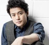 映画『銀魂』で主人公・坂田銀時を演じた小栗旬 写真:草刈雅之