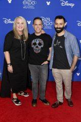 ディズニー/ピクサー『リメンバー・ミー』(2018年3月16日公開)(左から)ダーラ・K・アンダーソン氏、リー・アンクリッチ監督、エイドリアン・モリーナ氏(共同監督)=『D23 Expo 2017』(C)Disney/Pixar.All rights reserved.