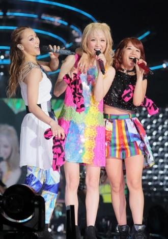 『E-girls LIVE 2017 〜E.G.EVOLUTION〜』に出演した(左から)Shizuka、Ami、Aya