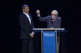 ディズニー・レジェンドとして表彰されたマーベル名誉会長のスタン・リー氏=米カリフォルニア・アナハイム『D23 EXPO 2017』にて(C)Disney