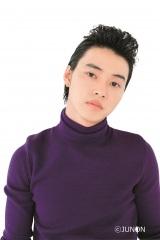 『JUNON』9月号にリーゼントヘアで登場した山崎賢人