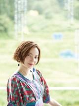 「月刊新潟Komachi」9月号表紙を飾るベッキー Photo/RYUGO SAITO Styling/MAIKO Make/AIKO ONO(angle)