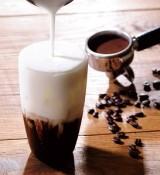 ベトナムコーヒーがモチーフの『練乳ミルクアイスコーヒー』