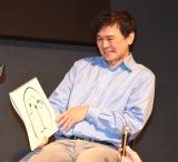 自身が書いたドラえもんを苦笑いで見る西尾康之氏=『THE ドラえもん展TOKYO 2017』の記者発表会見 (C)ORICON NewS inc.