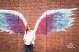 「MARINE & WALK YOKOHAMA」に「天使の羽」をペインティングをしたアーティスト・コレット・ミラー氏