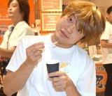 山崎アナに誕生日サプライズをしたことを明かしたおばたのお兄さん (C)ORICON NewS inc.