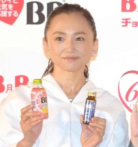 エーザイ『チョコラBB』の発売65周年イベントに出席した永作博美 (C)ORICON NewS inc.