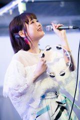 アコースティック編成のフリーライブを開催した大原櫻子 Photo by 田中聖太郎
