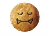 ドラキュラモチーフの『かぼちゃとチキンのチーズグラタン』(税込価格:421円)