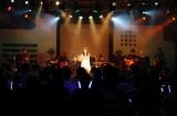 自身初のワンマンライブで13曲を熱唱した水谷果穂=8月11日、東京・shibuya duo MUSIC EXCHANGE