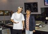 2年ぶりにソロシングル「Eternal Love」をリリースするEXILE TAKAHIRO(左)とプロデューサーを務めた亀田誠治氏