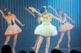 メンバーたちと最後のパフォーマンス=須藤凜々花卒業公演の模様(C)NMB48