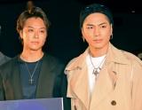 劇場版『HiGH&LOW THE MOVIE 2 END OF SKY』の大ヒット御礼舞台あいさつに登壇した(左から)TAKAHIRO、登坂広臣 (C)ORICON NewS inc.