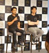 5日に行われた新会社設立記念イベントに出席した『me&stars』の取締役CIO・山田孝之(左)と代表取締役社長兼CEO・佐藤俊介氏