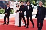 『第74回ベネチア国際映画祭』のレッドカーペットに登場した福山雅治、役所広司、広瀬すずら
