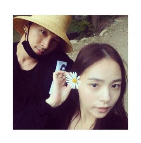 来年2月の結婚を発表したBIGBANGのSOLとミン・ヒョリン(