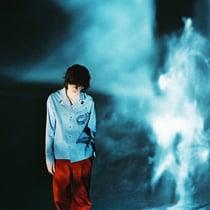 米津玄師、より深く 水色に溶け込む 新曲「Pale Blue」ビジュアル第2弾