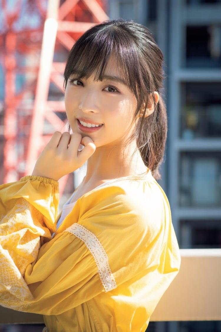 AKB48チーム8・小栗有以、美肌を大胆披露 ドキッとする表情でカメラを ...
