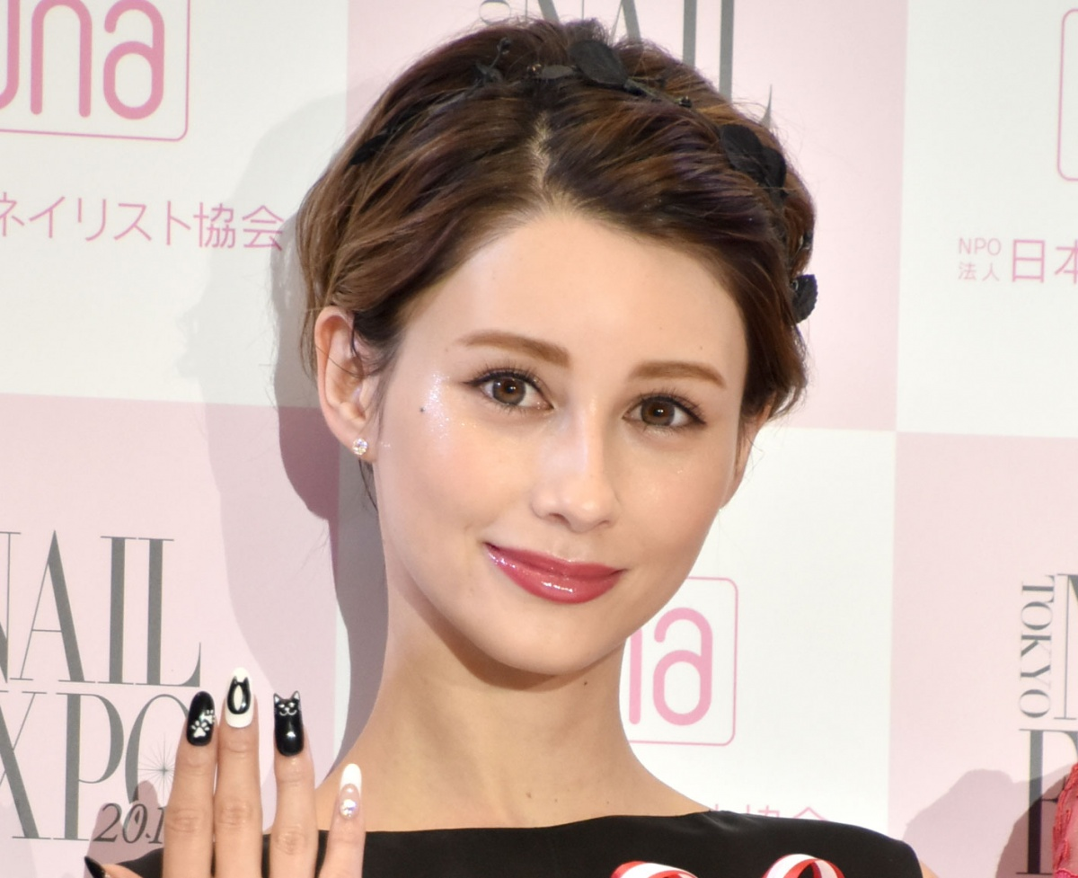 ダレノガレ明美 水着姿公開に反響 わがままボディ 人魚って本当にいたんだ Oricon News