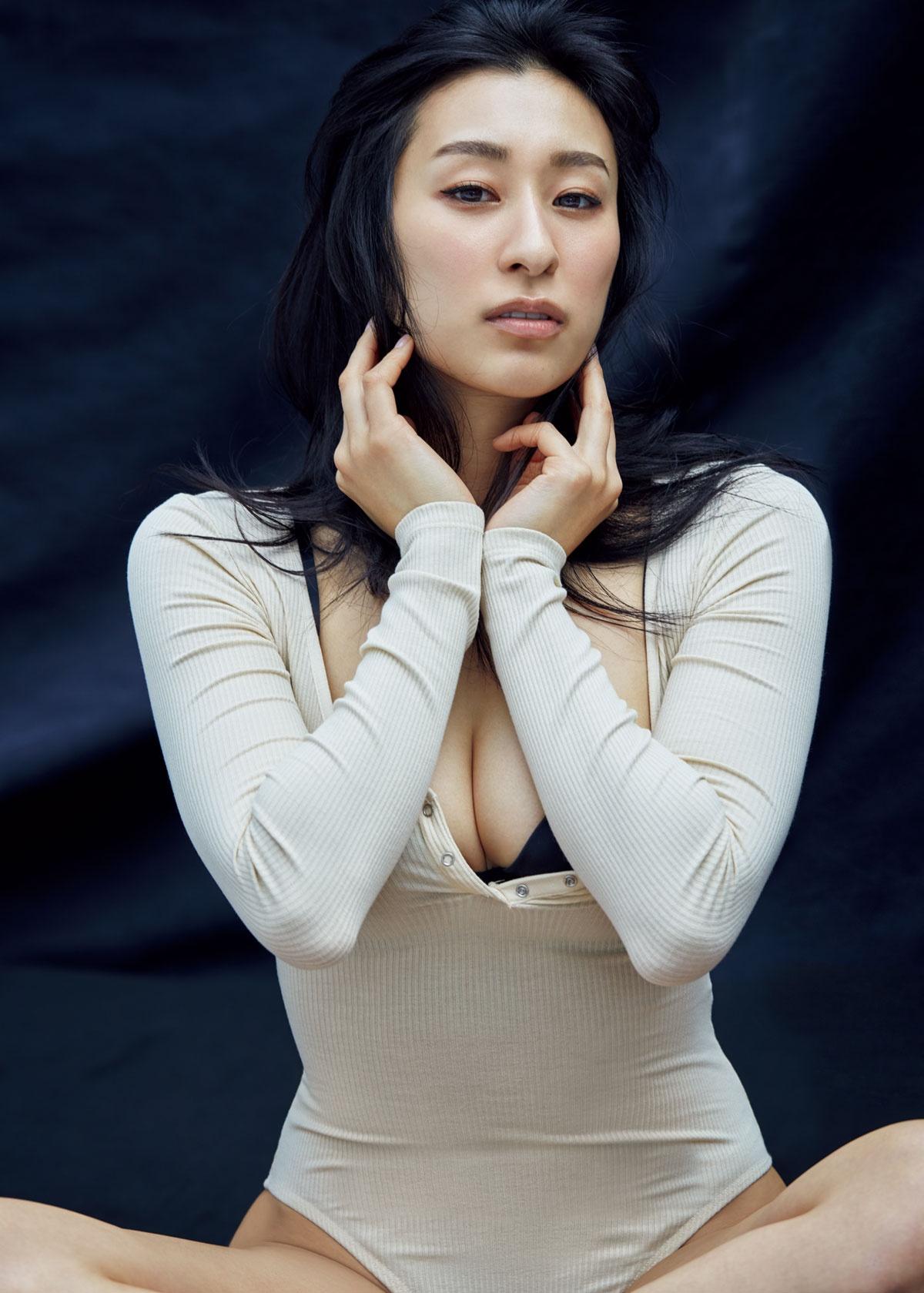 浅田舞 話題の 過去最高sexy グラビア再び 指原莉乃も絶賛 超すごい 質のいいグラビア Oricon News