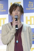DVD発売記念イベントに登場した佐藤健