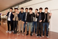 2PMと2AM、4 月10日羽田空港にて