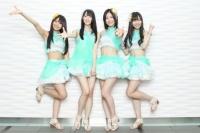 SKE48の松井珠理奈(右から2番目)