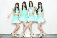 SKE48の松井珠理奈(右から)2番目