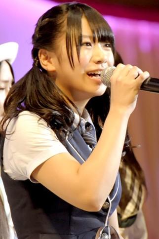 『第4回AKB48選抜総選挙』<br>43位 福本愛菜(NMB・N) 得票数:6912票<br>この1年間このステージに立つことを目標にして活動してきました。皆さんの前に立てたことがメチャメチャ幸せです!! もっともっと視野広げて色々な活動をしていきたいです!!