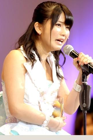 『第4回AKB48選抜総選挙』<br>15位 横山由依(AKB・K) 得票数:25541票<br>たくさん伝えたいことがありますけど、これから15位として皆さんにもっと認めてもらいたいたくて、この1年も皆さんの支えでガムシャラに取り組んでいけたらと思います!