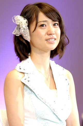 『第4回AKB48選抜総選挙』<br>1位 大島優子(AKB・K) 得票数:108837票<br>この景色をもう一度見たかったんです。あっちゃんが切り開いた道……私はその道の土台になりたいと思います。本当にありがとうございます!!
