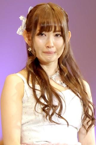 """『第4回AKB48選抜総選挙』<br>7位 小嶋陽菜(AKB・A) 得票数:54483票<br>凄く不安で一杯でした…今後はもっとこの子を応援したいと思われるよう頑張ります。だから皆さんも私のことを""""一押し""""にしてください!"""