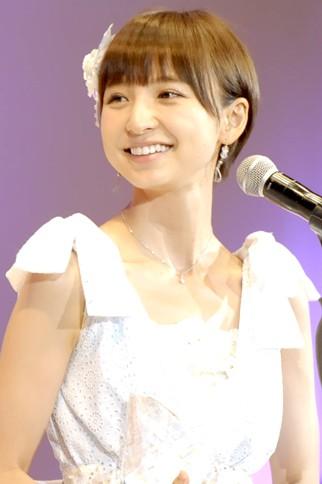 『第4回AKB48選抜総選挙』<br>5位 篠田麻里子(AKB・A) 得票数:67017票<br>後輩たちは潰すつもりで来て下さい。いつでも待ってます! そんな心強い後輩が出てきたら、わたしは笑顔で卒業したいと思います