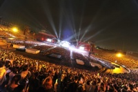 『WORLD TOUR 2012 THE FINAL』国立競技場ライブの模様 (撮影:今元秀明、緒車寿一、田中和子)