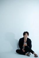 綾野剛 映画『ヘルタースケルター』インタビュー(写真:片山よしお)<br>⇒