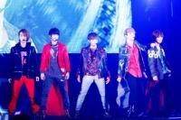 SHINee(左からオンユ、ミンホ、ジョンヒョン、キー、テミン)