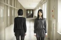 SKE48主演ドラマ『学校の怪談』 ストーリーテラーの松井玲奈&珠理奈