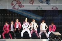 『a-nation 2012 stadium fes』に出演したU-KISS