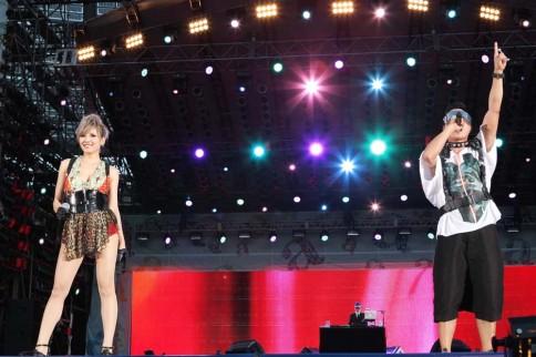 『a-nation 2012 stadium fes』に出演したm-flo