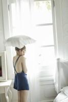島崎遥香初のフォトブック『島崎遥香 ぱるるのすべて』(主婦と生活社)より