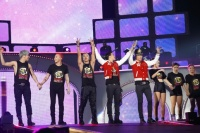 BIGBANG(左からD-LITE、G-DRAGON、V.I、SOL、T.O.P)