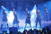 『AKB48 ユニット祭り2013』の模様<br>(左から)小嶋陽菜、高橋みなみ、大島優子、板野友美、篠田麻里子