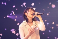 『家入レオ 1stワンマンツアー〜LEO〜』<br>追加公演@赤坂BLITZの模様